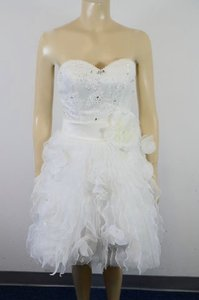 La Femme La Femme White Lace Wedding/formal Knee Length Dress Size 2 Hd Wedding Dress