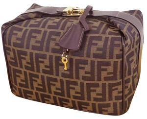 Fendi Cosmetic Classic Chic Large Cosmetic Cosmetic Brown / Black Clutch