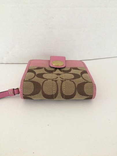 Coach SIGNATURE C ZIP AROUND SNAP MEDIUM WALLET PINK Image 1