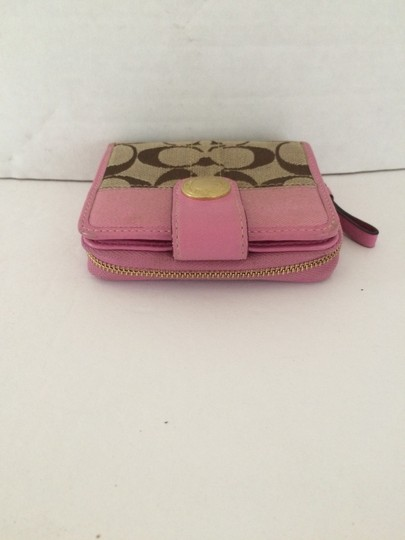 Coach SIGNATURE C ZIP AROUND SNAP MEDIUM WALLET PINK Image 3