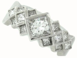 Exquisite Ladies Solid Platinum 2.15ctw Princess Cut Diamond Engagement Ring