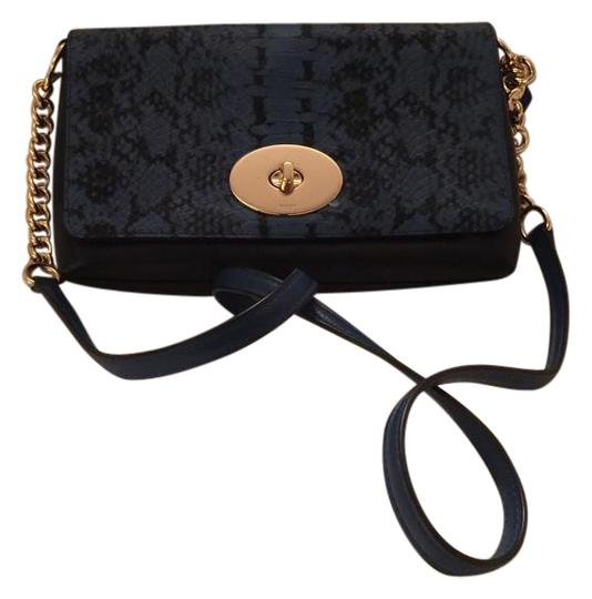 Preload https://img-static.tradesy.com/item/15747640/coach-colorblock-crosstown-leather-cross-body-bag-0-1-540-540.jpg