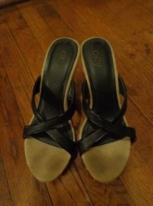 Cathy Jean Black and Tan Wedges