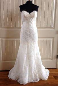 Essense of Australia Ivory Lace D1758 Feminine Wedding Dress Size 10 (M)