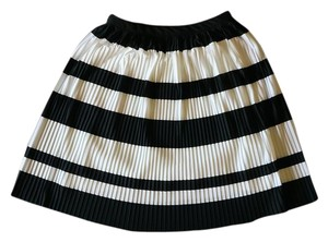 H&M Summer Casual Chic Mini Skirt Black and White