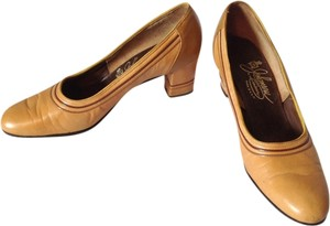Johansen Caramel Brown Pumps