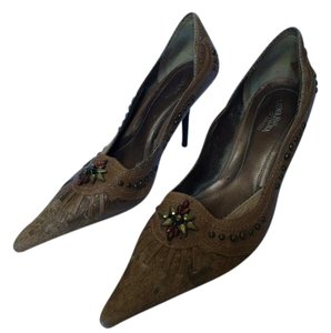 Luna Rosa by Pazzo Vintage Studded Pony Hair Leather tan and brass Pumps