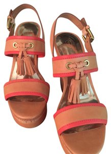 Coach Tan/Pink Wedges