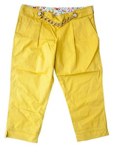 Dolce&Gabbana Hardware Metallic Hardware Capris Yellow with Gold Chain and Floral Buttons