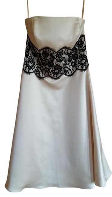 Preload https://img-static.tradesy.com/item/15756775/white-house-black-market-champagne-with-lace-knee-length-formal-dress-size-4-s-0-1-650-650.jpg