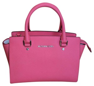 Michael Kors Satchel in Coral