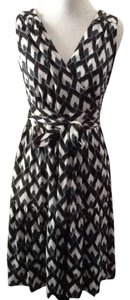Diane von Furstenberg Silk Wrap Designer Chic Dress