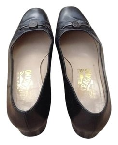 Salvatore Ferragamo Leather Vintage Charcoal/Black Pumps