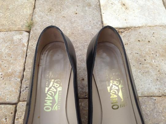 Salvatore Ferragamo Leather Vintage Charcoal/Black Pumps Image 1