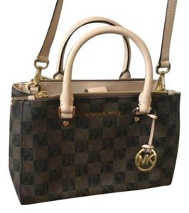 Michael Kors Tote in Checkerboard Brown and Neutral