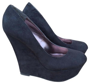 JustFab Suede Round Toe Platform Black Wedges
