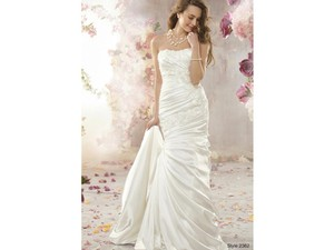 Alfred Angelo 2362 Wedding Dress