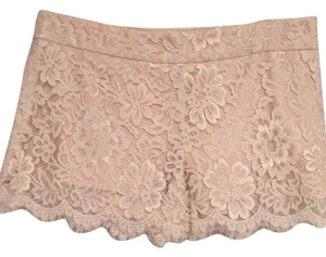 Single Lace Mini/Short Shorts Ivory