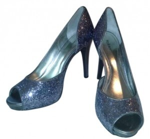 Style & Co Special Occasion Formal Pewter/Silver Pumps