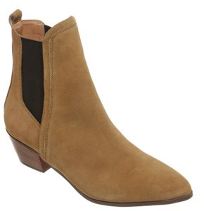 Report Signature Tan Boots