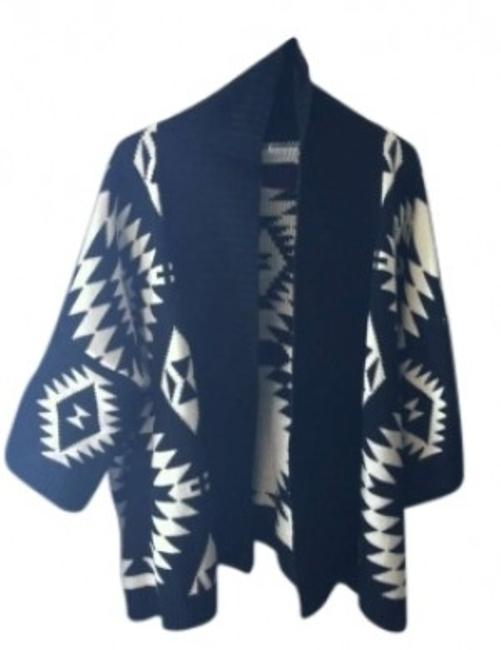 Preload https://img-static.tradesy.com/item/157746/blackivory-aztectribal-print-and-cardigan-size-12-l-0-0-650-650.jpg