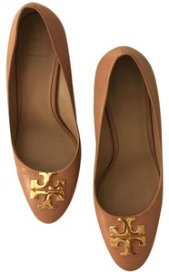 Tory Burch Blush Oak Pumps