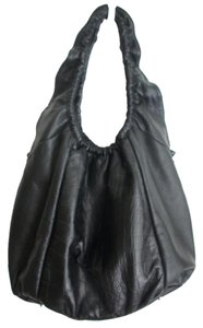 Be&D Tote in Black