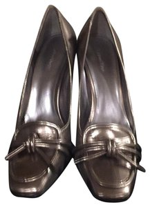 Calvin Klein Metalic gold Pumps