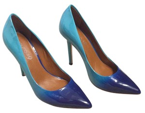 Boutique 9 Blue ombre Pumps
