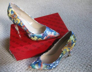 Guess Pointy Toe Blue / Multi Pumps
