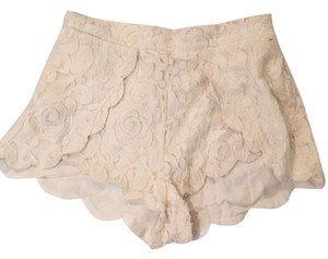 Urban Outfitters Mini/Short Shorts Cream