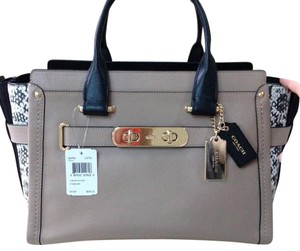 Coach Satchel in Li/Stone