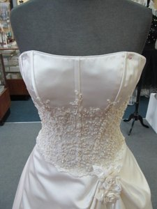 158 Private Collection Wedding Dress