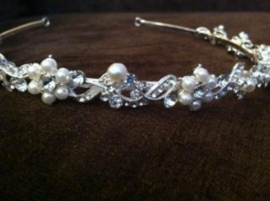 Crystal and Pearl Delicate Floral Flower Vine Tiara