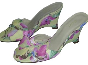 Other Floral Pastel Wedges