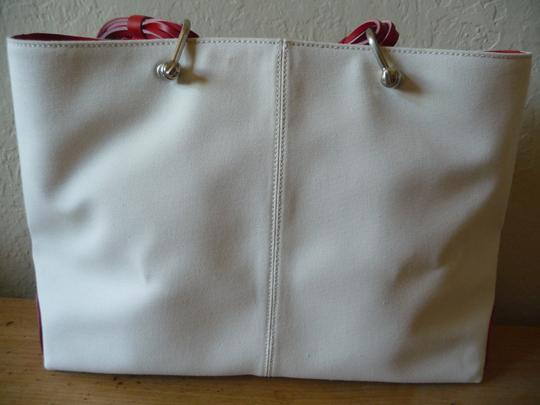 Tod's Canvas Summer Tote in Ivory & Red Image 1