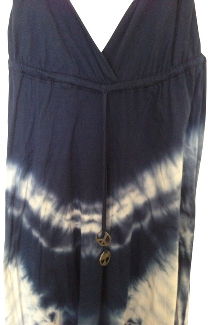 Preload https://img-static.tradesy.com/item/157909/gypsy05-blue-and-white-casual-maxi-dress-size-8-m-0-0-650-650.jpg