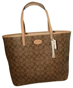 Coach Signature Large Canvas Leather Brown Metro Metro Tote in Khaki