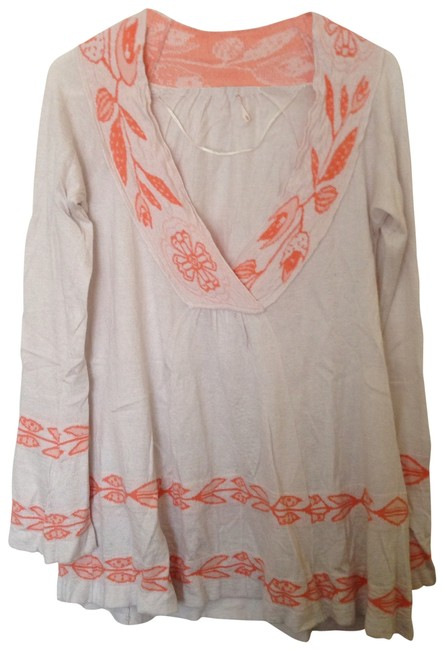 Preload https://item4.tradesy.com/images/free-people-off-white-tunic-size-8-m-157938-0-0.jpg?width=400&height=650