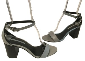 Zara Leather Lining Pewter Metal Buckle E40 Gray leather Sandals