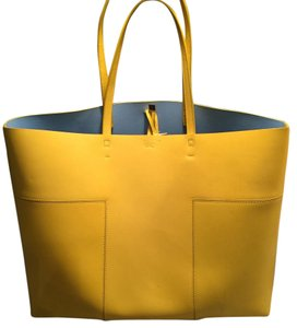 Tory Burch Tote in Yellow