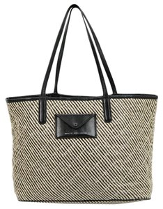 Marc by Marc Jacobs Tote in Black/ White