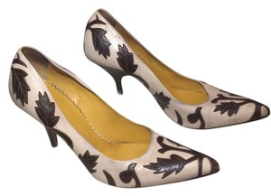 Miu Miu Nude and brown Pumps