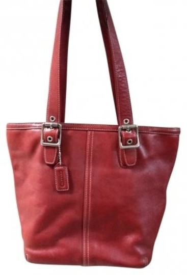 Preload https://item1.tradesy.com/images/coach-hampton-c33-9572-red-leather-tote-157970-0-0.jpg?width=440&height=440