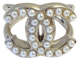 Chanel #6527 Large CC pearls Silver wire Fashion Ring