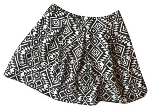 Xhilaration Mini Skirt Black and white