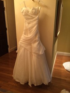 Monique Lhuillier Ivory Silk Jacquard Peony Formal Wedding Dress Size 8 (M)