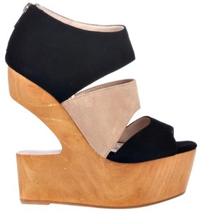 Dolce Vita Suede Wedge Tan Black Wedges