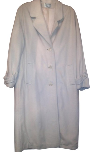 Preload https://img-static.tradesy.com/item/15806053/cream-kashmiracle-trench-coat-size-12-l-0-1-650-650.jpg