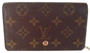 Louis Vuitton Monogram Bi-fold